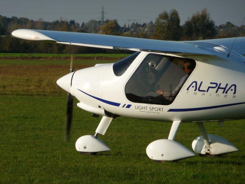 pipistrel alpha trainer  2013  par lpi ulm  aviastock com